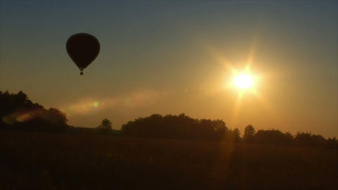 10713 hot air balloon up in sundown Stock Video Footage