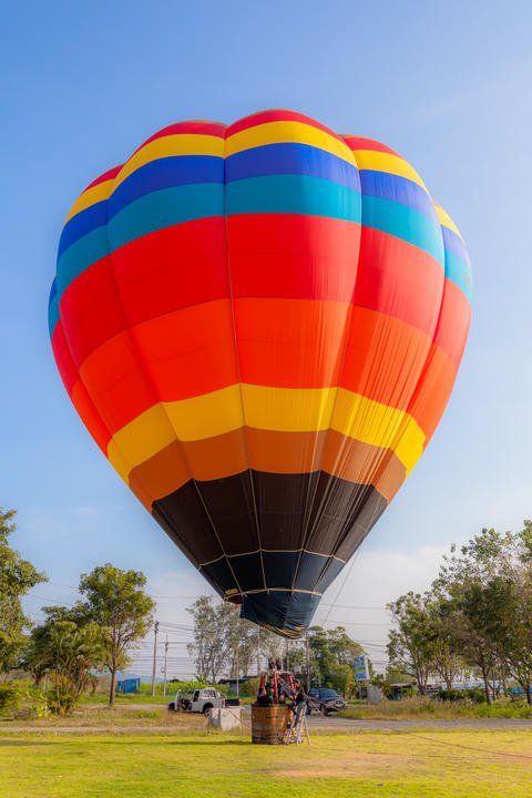 You can fly away in the sky with hot air balloon フォト