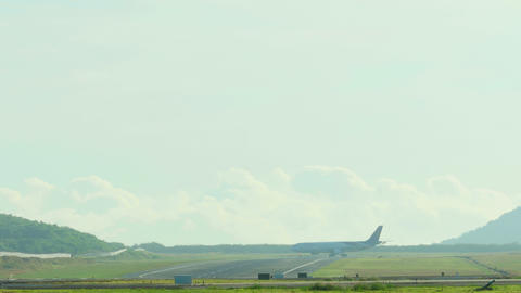 Thai Airways Airbus 330 taxiing to the start of the executive Footage