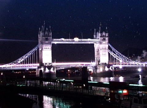 tower bridge qt 6 dv Live Action