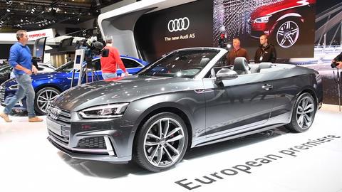 Audi S5 cabriolet convertible Live Action