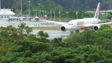Jetstar Airways Boeing 787 Dreamliner on runway Footage