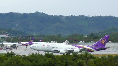 Thai Airways Boeing 747 landing Footage