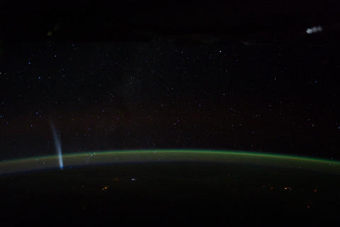 Ungraded: Lovejoy Comet Flies Over Southern Hemisphere Footage