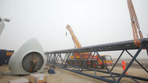 Truck-Mounted Crane Moving Further From the Camera ビデオ