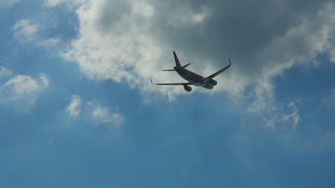 Airbus 320 take-off Live Action
