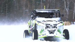 Winter off-road racing. Buggy race Filmmaterial