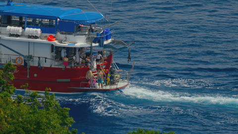 Diving Boat near Similan ビデオ