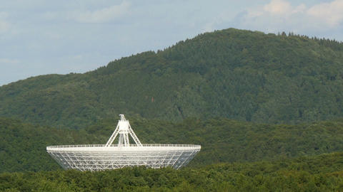 11819 time lapse huge radio telescope in valley Footage