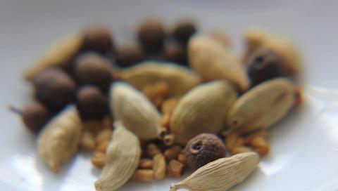 MVI 12703macro food spice pepper black condiment heap leaf macro seasoning food  Footage