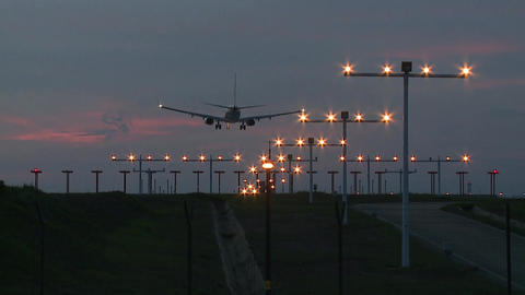 Aircraft Landing At Night Archivo