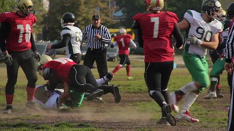 Scrimmage in American football, referee stopping the match, professional sport Archivo