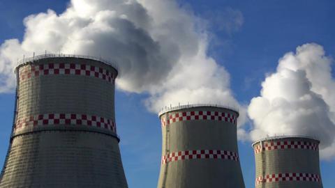 Smoking chimneys of power plant ビデオ