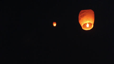 Chinese Sky Lanterns 02 Live Action