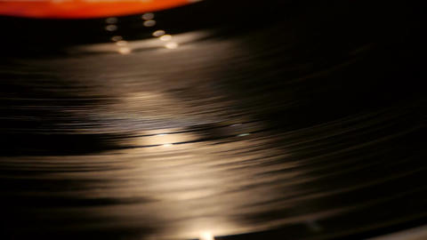 Vinyl spins on the adapter Filmmaterial