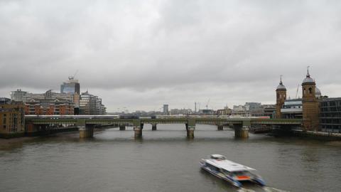 Time lapse. Railway bridge on the river Filmmaterial