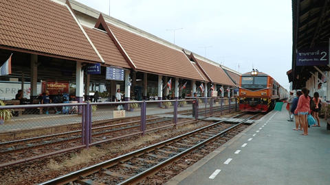 The train arrives at the Don Mueang station Live Action
