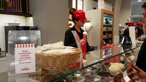 Ice Cream Vendor Woman Filmmaterial