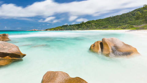 Rock And Beach Timelapse, Seychelles in 4K Live Action