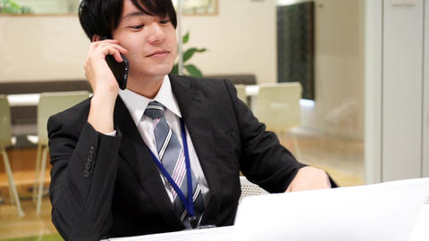 Business image (men · office · telephone) / zoom out ライブ動画