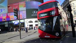 London bus Piccadilly Circus London UK 1 Filmmaterial