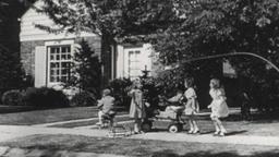 USA 1940s: Kids at Play in Suburban Residential Neighborhood Filmmaterial