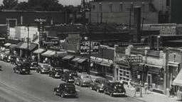 USA 1940s: Suburban America City Street Scene Filmmaterial