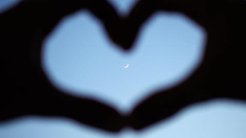 Romantic Fingers Heart And The Moon Footage