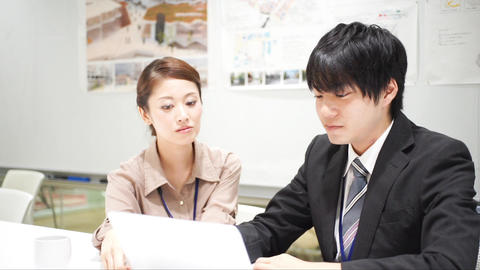 Men and women who work (collaborative work / colleagues / new recruits) ビデオ