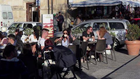 Italian People And Tourists At Bar In Siracusa Sicily Italy ビデオ