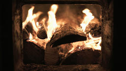 burning wood in a fireplace Filmmaterial