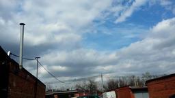 Sky timelapse in the village Filmmaterial