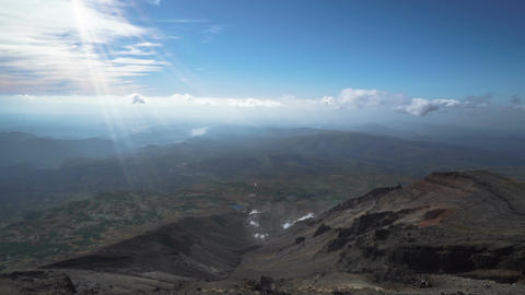 Daisetsuzan National Park. Beautiful vistas from the top of Mt. Asahidake ビデオ