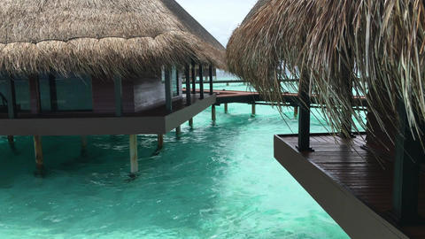 WATER BUNGALOWS AT MALDIVES 4K Filmmaterial