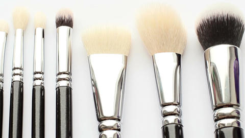 Cosmetic Brush 3 Live Action