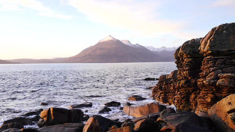 Evening in Elgol bay on west coast of the Isle of Skye in Scotland during an win Archivo