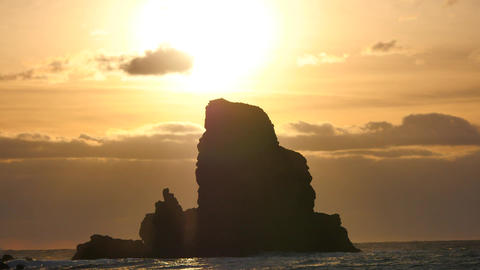 Evening in Talisker bay on west coast of the Isle of Skye in Scotland during an  Archivo