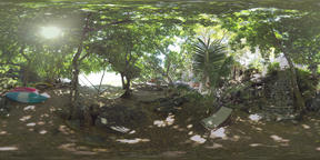 360 VR Place to relax in tropical forest on riverbank Archivo