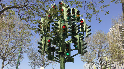London. A traffic light with a lot of light Stock Video Footage
