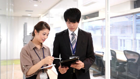 Business image (walking · meeting · male · female) Live Action