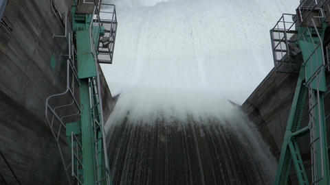 Spray in a dam(Japan) Filmmaterial