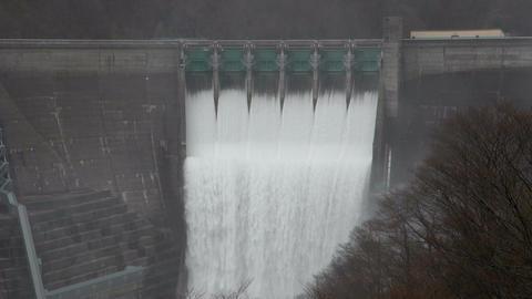 湯田ダム 放水 Spray in a dam(Japan) 動画素材, ムービー映像素材