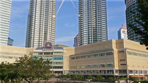 Kuala Lumpur Petronas Towers Blue Sky Panorama 4k Animation