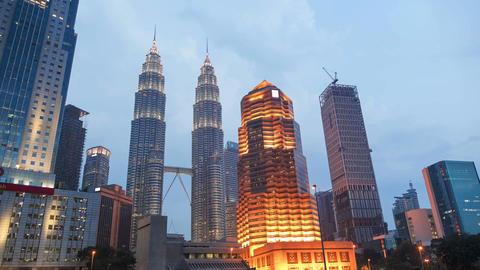 Petronas Towers Kuala Lumpur Malaysia Evening Time Lapse Zoom 4k Animation