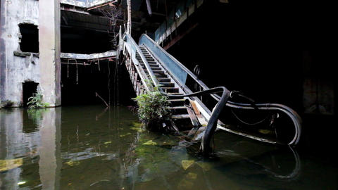 Dramatic video of damaged escalators in abandoned shopping mall Footage