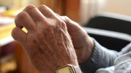 old man (senior - elderly) - hands - rub one's hands Footage