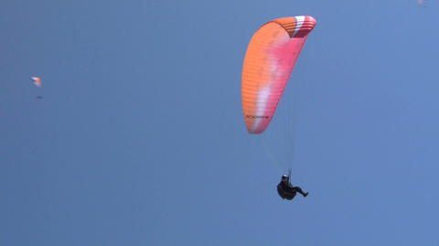 Paragliding fly Live Action