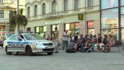 Police solves the problem of the homeless on the bench, conflict, authentic Footage