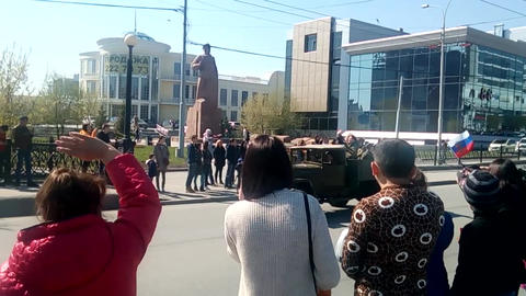 RUSSIA EKATERINBURG - MAY 9 2017 parade of cars of the times of the second world Archivo