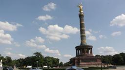 Traffic around berlin victory column Footage